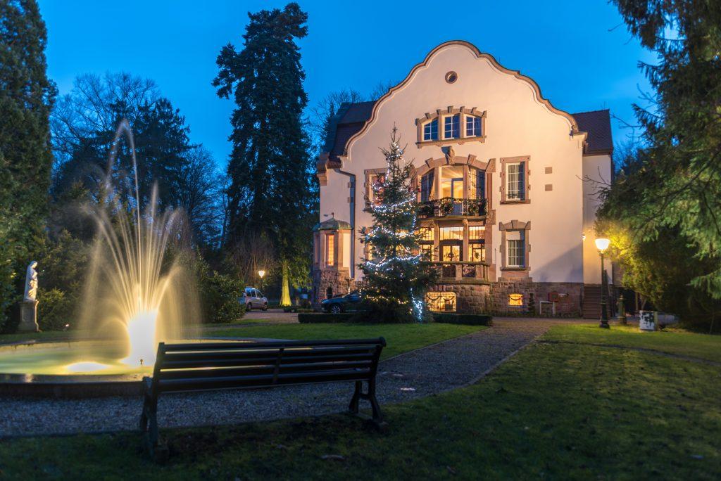 SEDE-Creutzwald-Villa Notre-Dame de la Clairière-Fachada-Anoitecendo1
